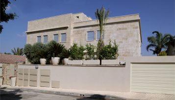 תמונה חיצונית לעיצוב בית ואדריכלות של קינן