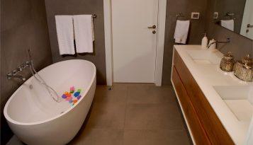 עיצוב בית יוקרתי בשוהם אמבט רחצה