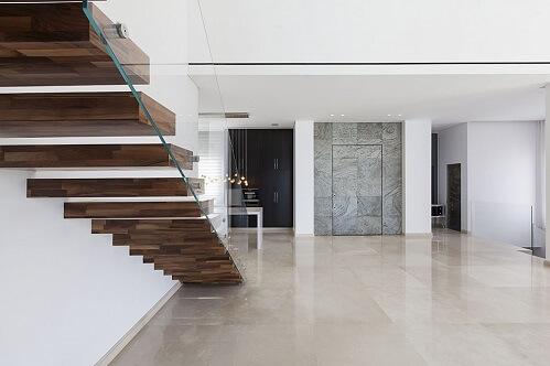 עיצוב פנים עם מדרגות מרחפות