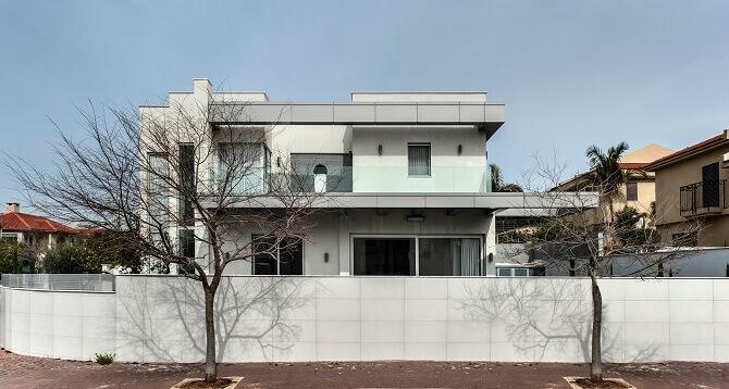 וילה מעוצבת בסגנון מודרני עם קינן אדריכלות